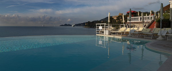 Infinity_pool_Excelsior_Palace_Hotel