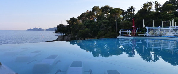 Excelsior_Palace_Hotel_second_infinity_pool2_600x250